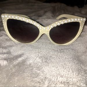 Accessories - BN Pearl Encrusted Sunglasses